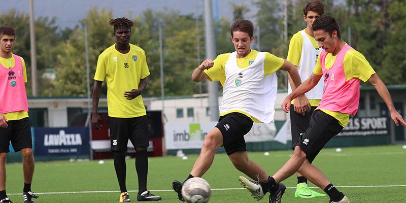 SALÒ - Torna in campo oggi la formazione Berretti. Il team verdeblu  affronterà la Primavera della Cremonese al centro sportivo